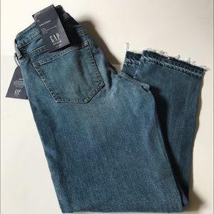 Gap Girlfriend Blue Jeans - Sz 27W